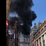 Lángol egy ötcsillagos hotel Londonban