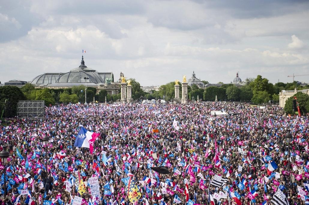 Melegházasság elleni tüntetés Franciaországban -2013. május 26-án