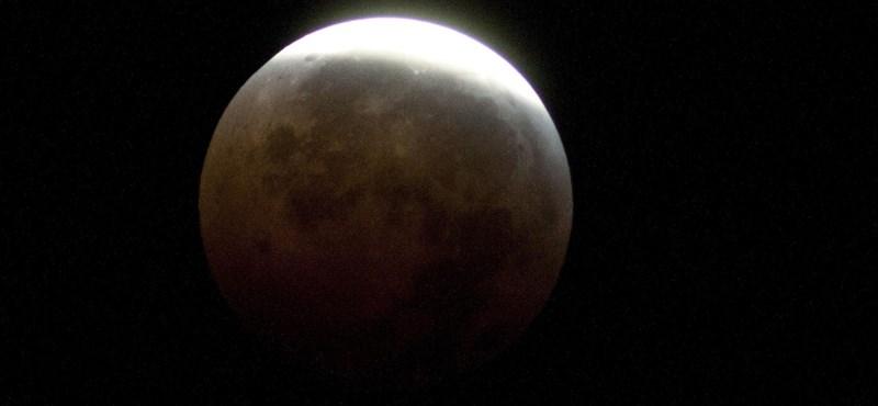 Pályára állt a műhold, amelynek köszönhetően végre leszállhatunk a Hold sötét oldalán