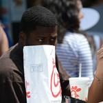 Ingyen ehetik a csirkés szendvicseket egy amerikai állam lakói