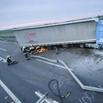 Fotó: Durva baleset miatt volt órákig zárva az M3-as mindkét oldala