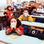 Soros György tovább itatja a magyar kisiskolásokat