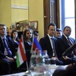 Szijjártó Bakuban adja el, amit az oroszok nem vesznek meg tőlünk
