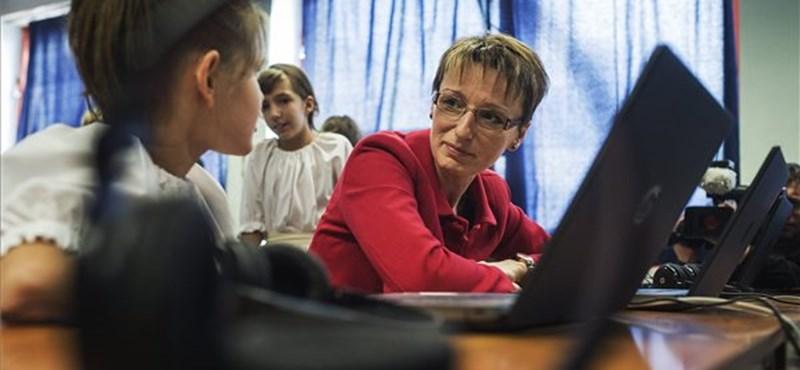 Kritikus a helyzet az iskolákban: elfogytak a tanárok, valahol diák tartott órát