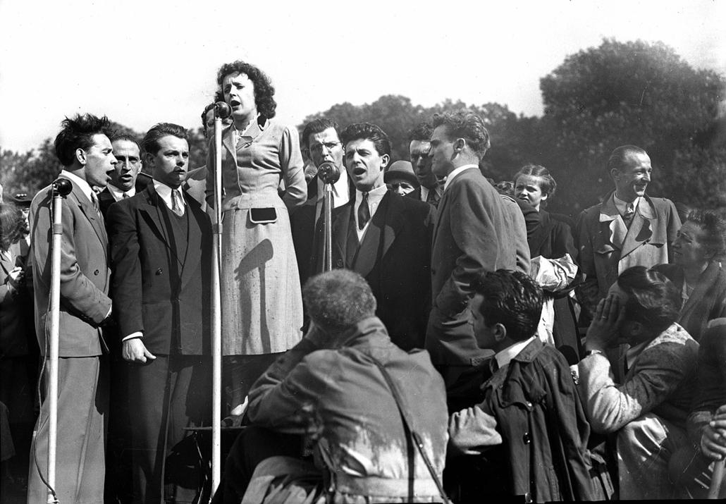 1948. - Edith Piaf és barátainak fellépése - Edith Piaf