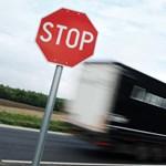 Elkezdték büntetni a külföldi kamionos cégeket az osztrákok
