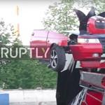 Mi nem volt még a Lada? Működő Transformert építettek belőle – videó