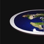 Akkora pofont kaptak a lapos Föld hívei, hogy a Hold adja a másikat