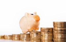 Elképesztő mennyiségű pénzt tettek félre a magyarok a nyugdíjukra