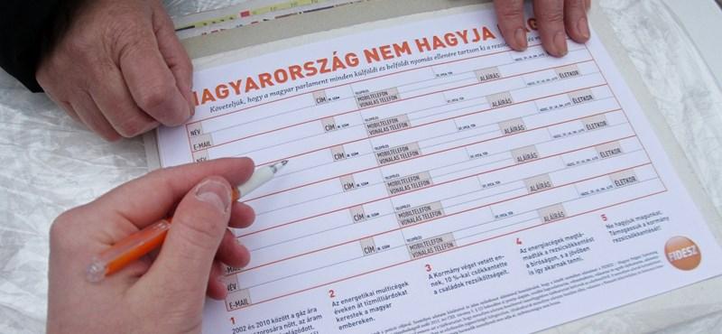 Rezsicsökkentés: aláírásonként 100 forint jár az aktivistáknak