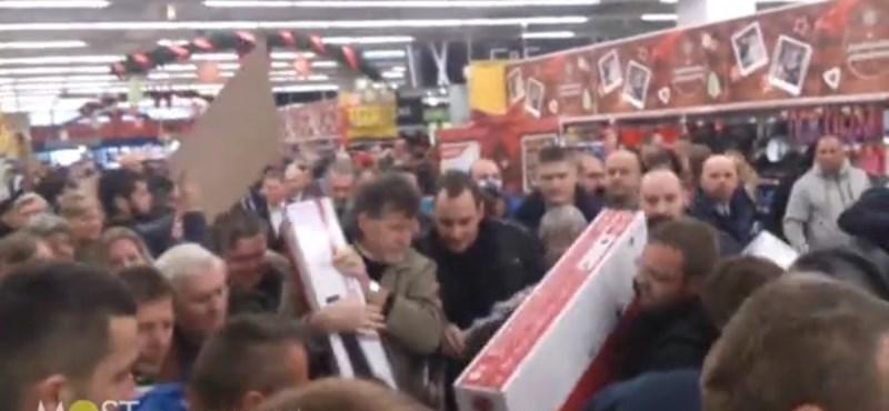 Ezekre hajtanak a magyarok a Fekete Pénteken
