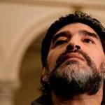 Folytatódik Grondona és Maradona szócsatája