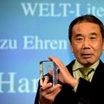Megrohamozták a könyvesboltokat a Murakami-rajongók