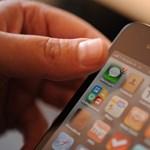 Hiába a sok app, a magyarok még mindig imádják az SMS-t