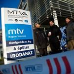 Megpróbálták elzavarni az éhségsztrájkolókat az MTVA elől