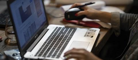 Több mint 50 ezren regisztráltak a jövő héten induló ingyenes informatikai képzésre