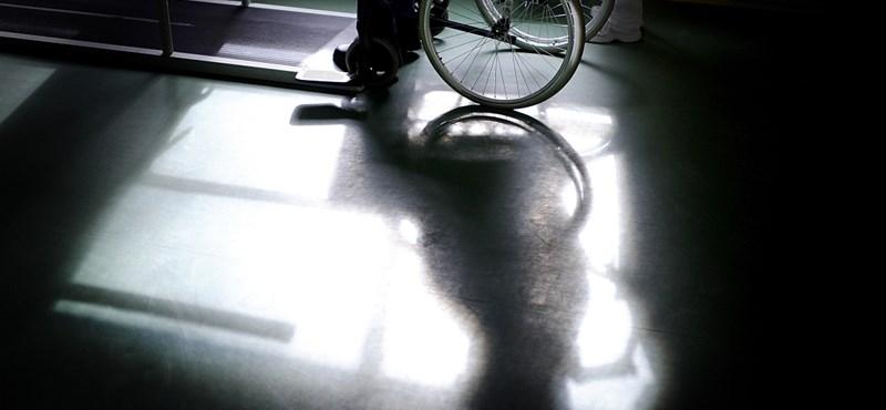 Lejárt az Ab által szabott határidő, nem rendezték a rokkantnyugdíjasok ügyét