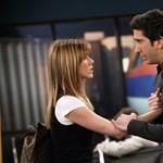 Ross és Rachel újra együtt: David Schwimmer és Jennifer Aniston fotón örökítették meg ölelkezésüket