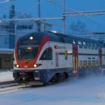 Ilyen emeletes vonatok járhatnak a Balatonnál – fotók