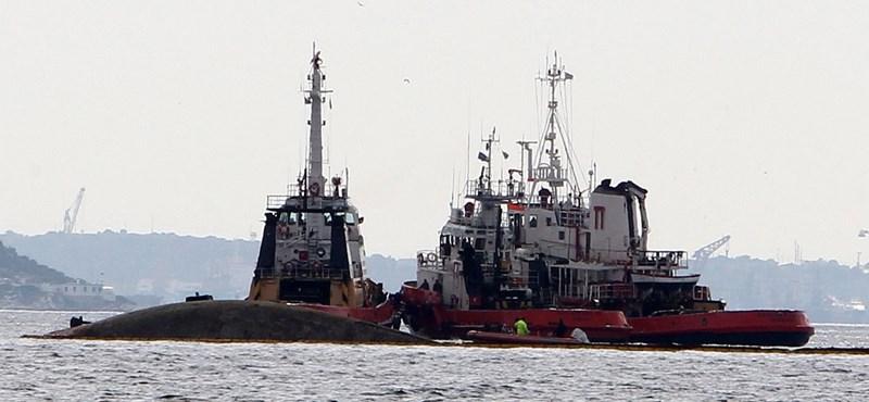Kétezer tonna olajjal süllyedt el egy görög tankhajó, eltűnt a kapitány