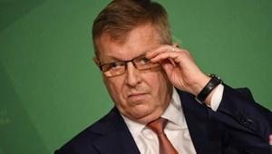 Matolcsyt nem zavarja, hogy döntéseik sorozata kockára teszi az MNB hitelességét