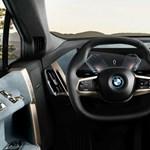 Ilyen csúcsmodern műszerfalat kapnak mostantól az új BMW-k