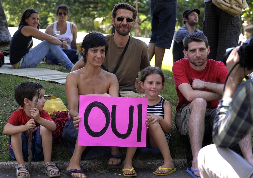 Melegházasság elleni tüntetés Franciaországban, melegházasság melletti tüntetők