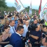 Lezárta a határt a Jobbik előtt a rendőrség