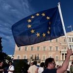 """""""Történelmi"""" megállapodás: véget érnek a görög megszorítások"""