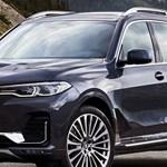 Vélhetően ritkán szállítana betonkeverőt ez a platós BMW X7