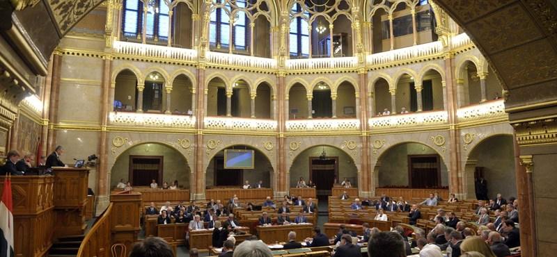 Ma szavaznak a köznevelési törvény módosító csomagjáról