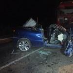 Diszkóbaleset: a hátsó ülésen ülő utas meghalt, az elöl ülők elmenekültek (fotó)