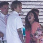 Könnyeznek és ájuldoznak a rajongók: úgy tűnik, újra összejött Selena Gomez és Justin Bieber