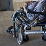 Feketén fizethetik a betegszállítókat és az ügyelő orvosokat Cegléden