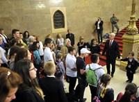Hatszáz gyerek imádkozott a Parlamentben az országért és vezetőiért