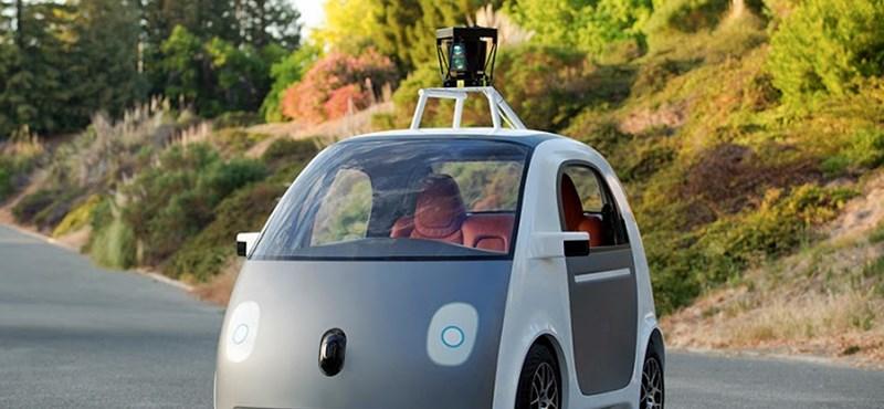 Itt a Google kormány nélküli autója – fotó és videó