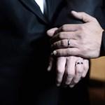 Németország után újabb EU-tagállamban engedélyezik a melegházasságot