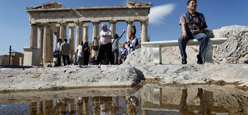 Ne hallgasson a Szemüveges Szakértőre - nyaraljon Görögországban