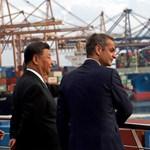 Elképesztő ütemben nyomul Kína a világ kikötőiben