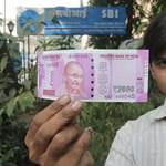 Az indiaiaknak nincs ínyére a kormány rúpiareformja