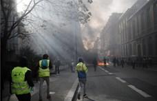 Szélsőségesek rendőrökkel csaptak össze a párizsi klímafelvonuláson