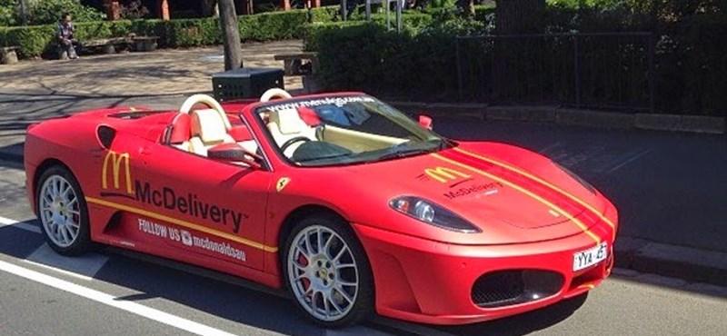 Ferrari és Lamborghini viszi házhoz a mekis kaját Ausztráliában – fotók