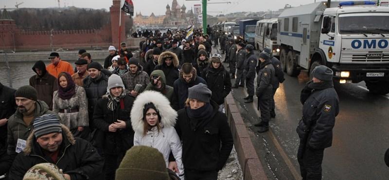 Tízezrek tüntettek Putyin ellen