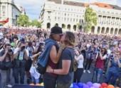 Elővágás, terelés, csoporterősítés: ezért járathatja csúcsra a Fidesz a homofóbiát