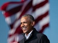 Filmre vehetik, ahogy Barack Obama megkapja a koronavírus elleni oltást
