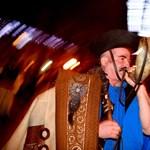 Kolompolással és csergetéssel búcsúztatták az óévet Hajdúszoboszlón - fotók