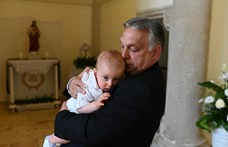 Orbán fotót közölt épp megkeresztelt unokájáról, Bertalanról