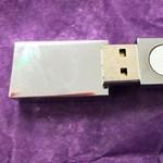 Ez az USB-kulcs állítólag megvéd az 5G-től, de nehogy megvegye, átverés az egész