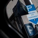 Örülnöm kellene, hogy parkolási díjat vezetnek be az utcámban?