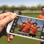 Átalakítóval csábítaná magához az iPhone-osokat a Samsung